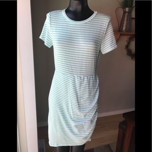 💧NWOT Large striped fitted dress💧